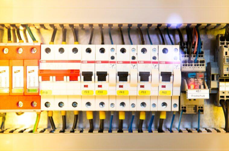 Tips voor het veilig installeren van elektrische apparaten