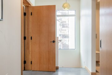 Hoe werk je nieuwe binnendeuren af?